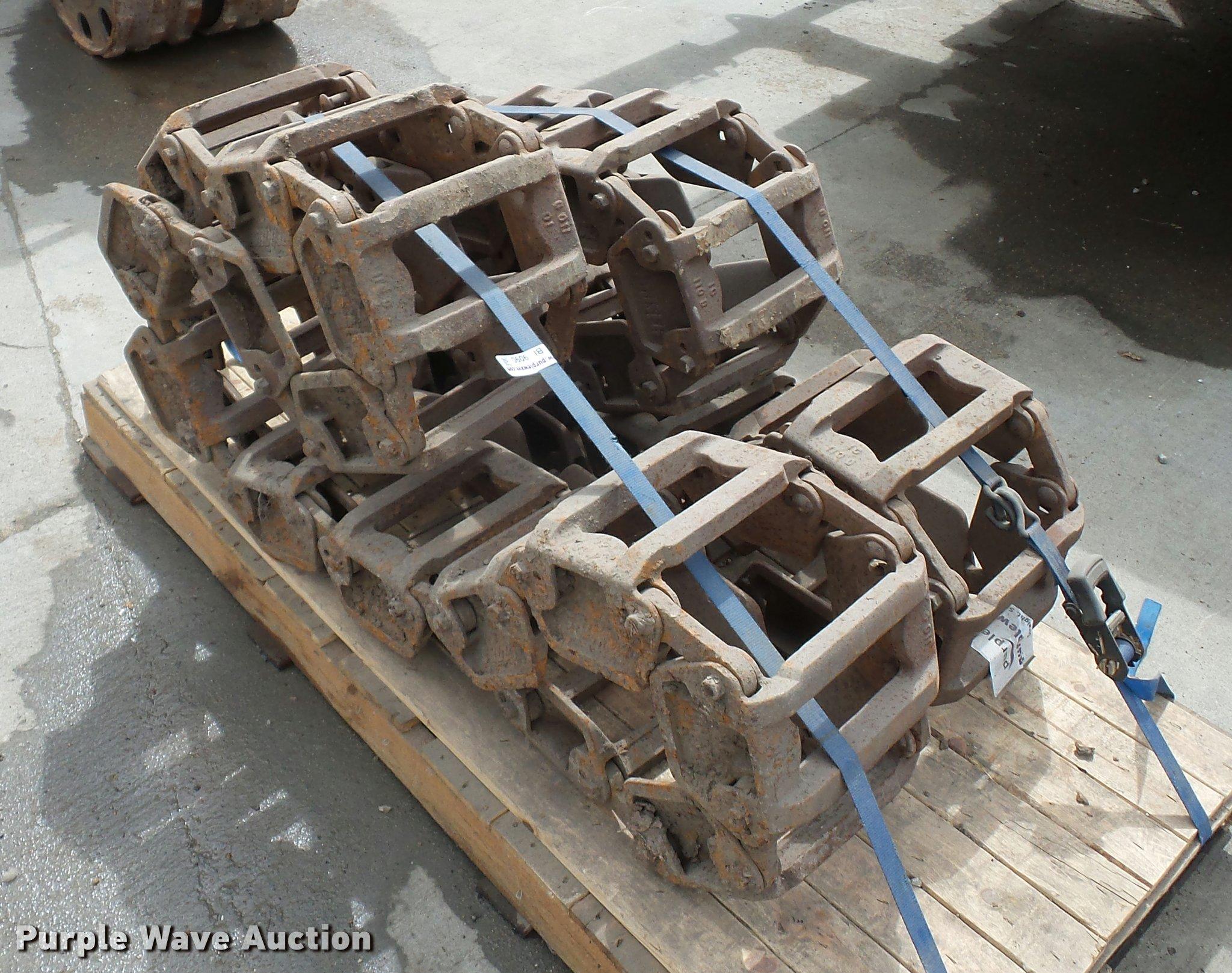 Grouser Skid Steer Tracks Item Bi9090 Sold May 24 Vehic