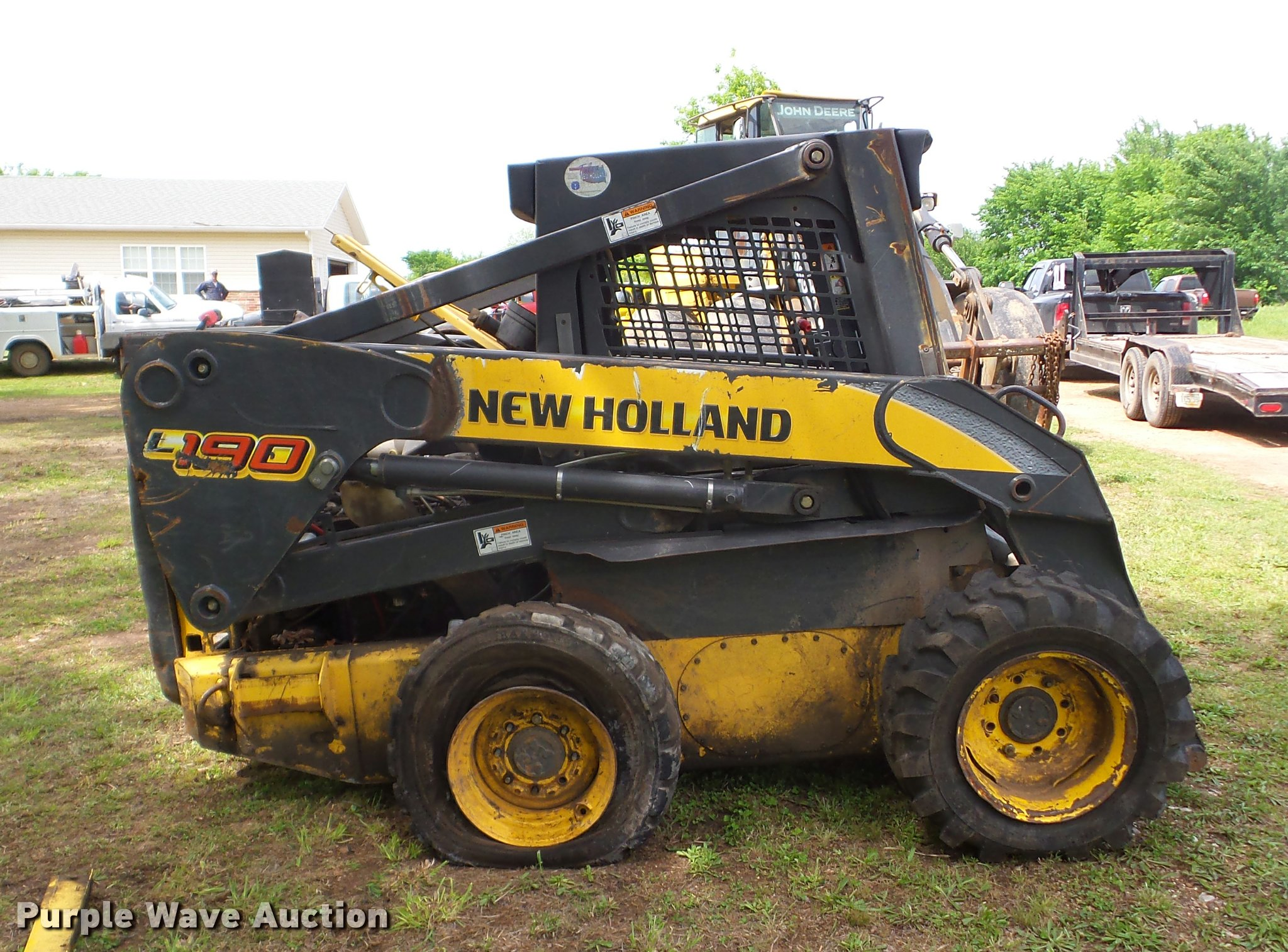 ... Holland L190 skid steer Full size in new window ...