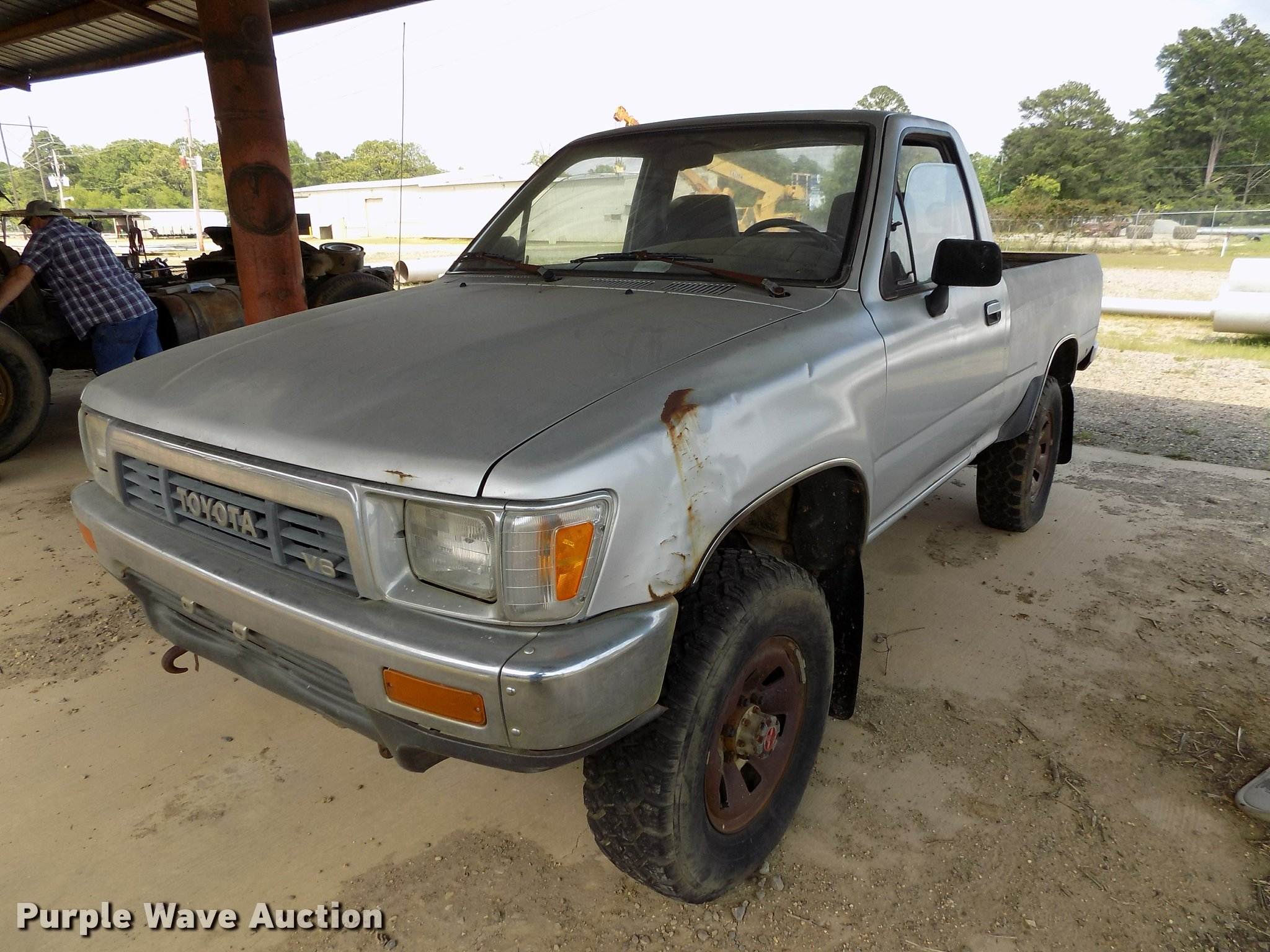 1989 Toyota pickup truck | Item DC7232 | SOLD! May 24 Vehicl
