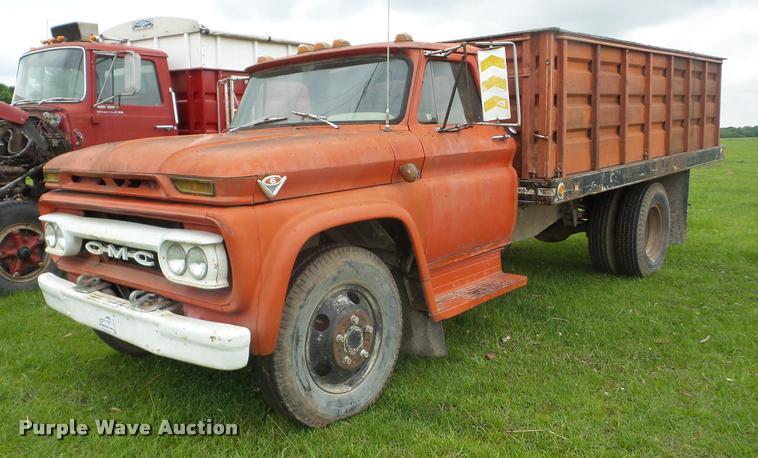 1966 GMC grain truck | Item J8630 | SOLD! May 31 Roger Laven