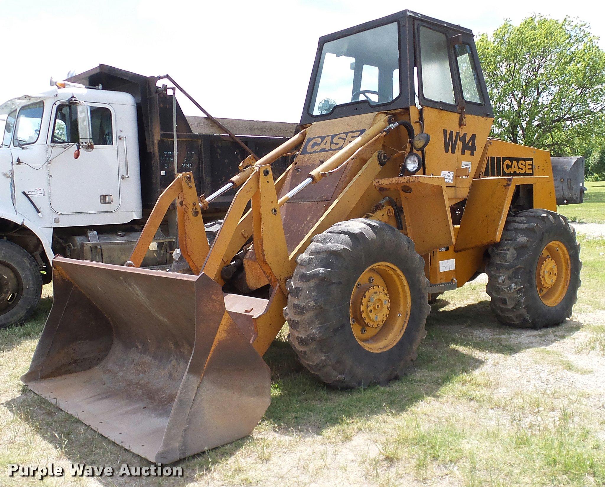 1980 Case W14 wheel loader | Item DA6130 | SOLD! June 6 Gove...