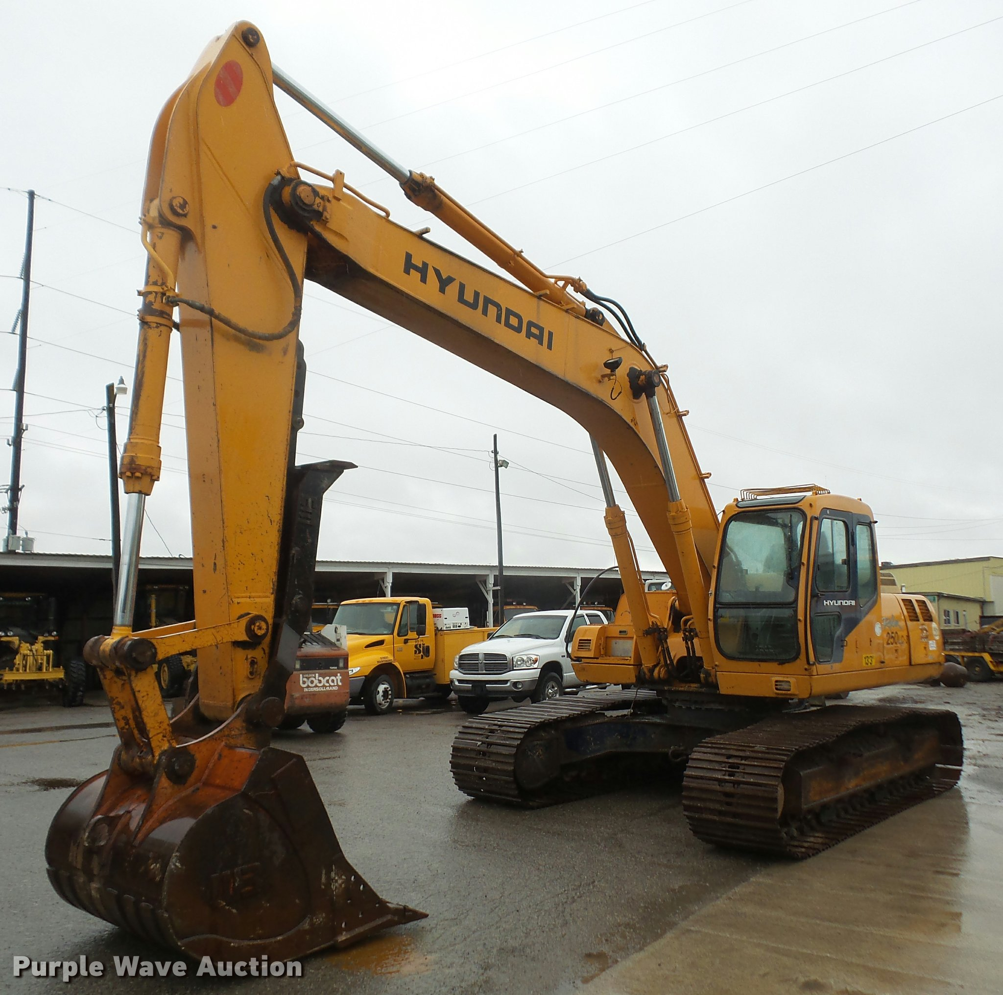 DA8201 image for item DA8201 1998 Hyundai Robex 250LC-3 excavator