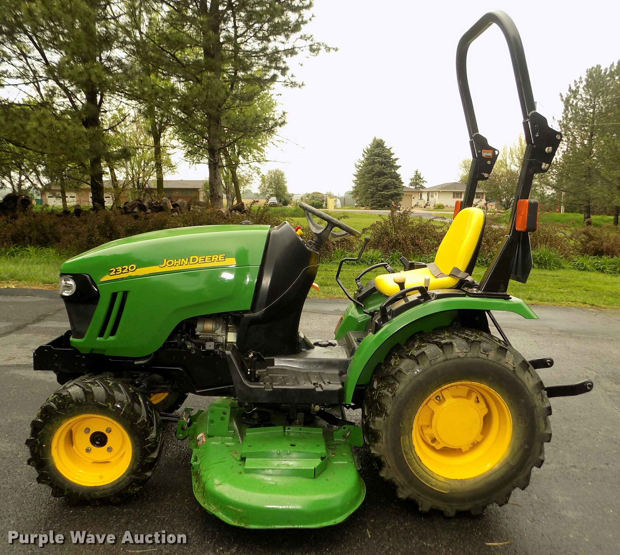 ... John Deere 2320 MFWD tractor Full size in new window ...
