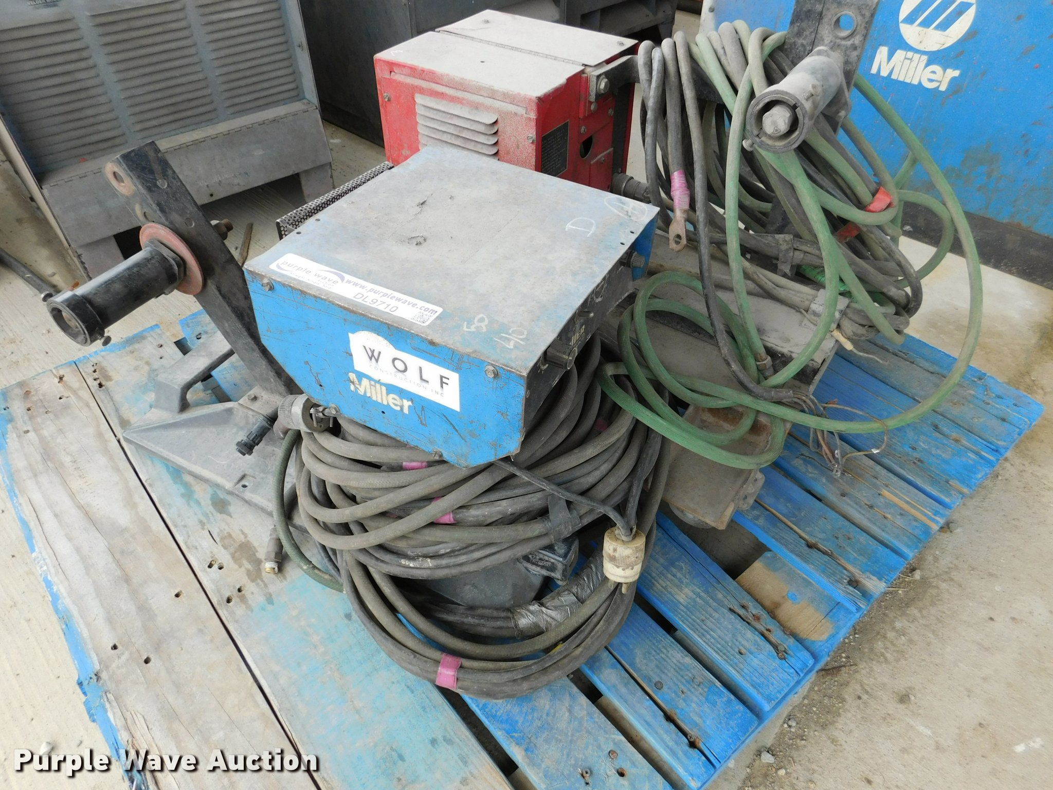 2) wire feed welder control units | Item DL9710 | SOLD! Jun...