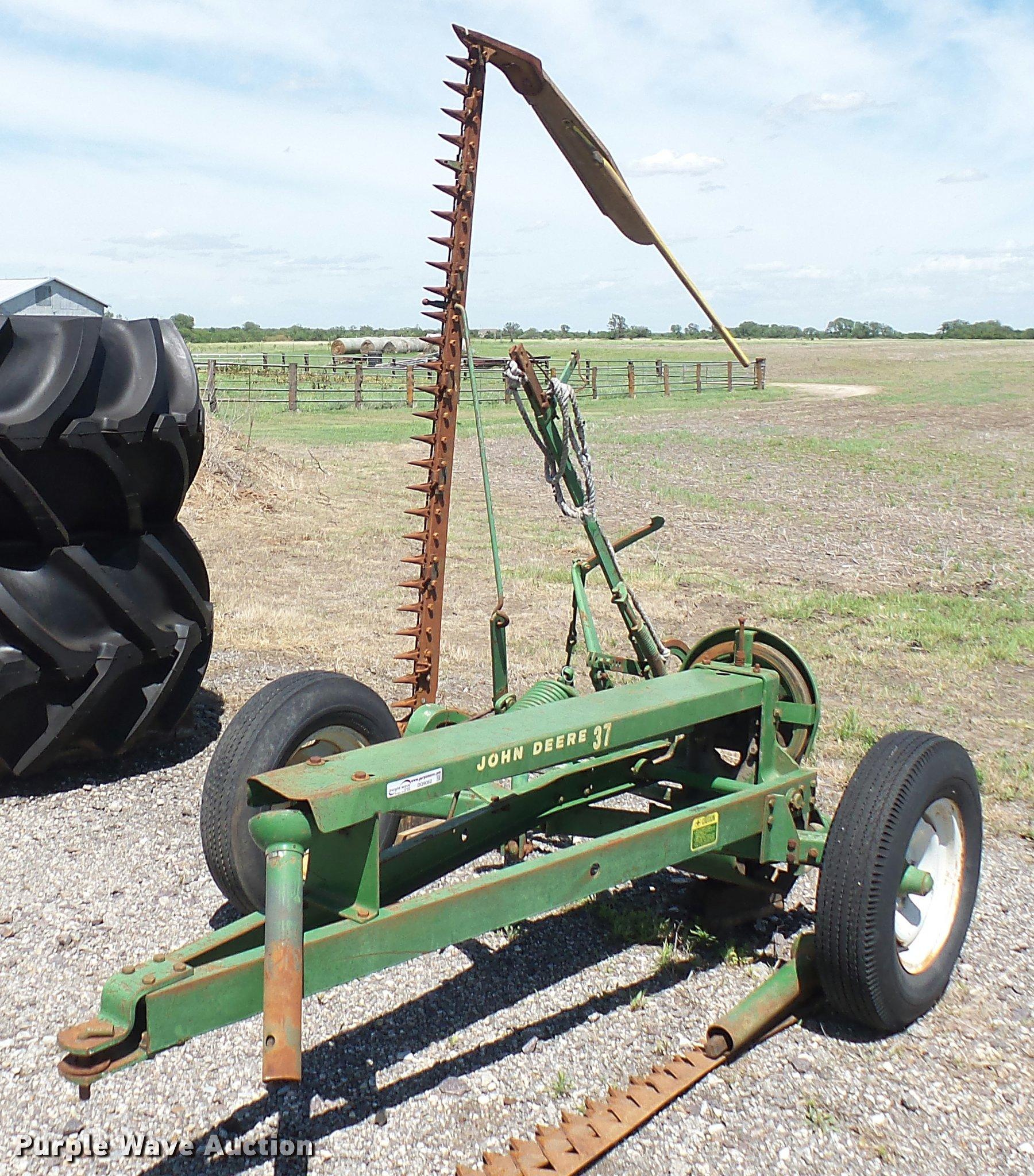 John Deere 37 sickle mower | Item DQ9062 | SOLD! June 14 Ag