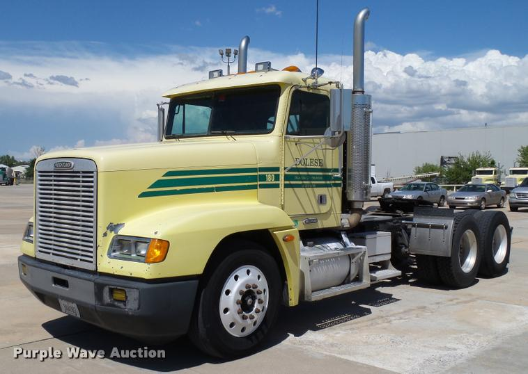 2001 Freightliner FLD120 For Sale (12967289) From Purple