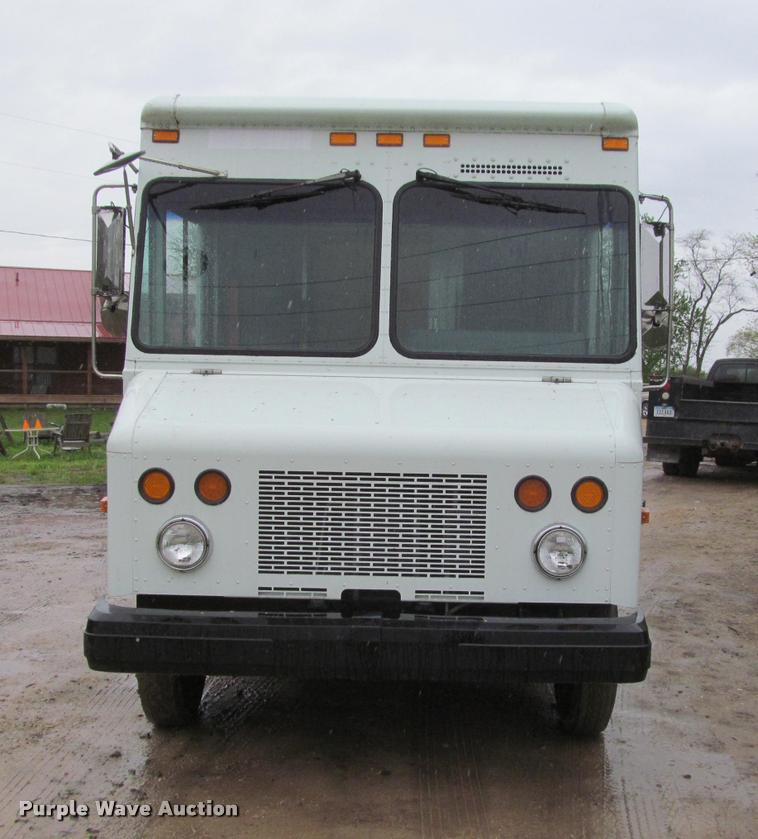 2002 Workhorse P42 delivery truck   Item K4756   SOLD! June