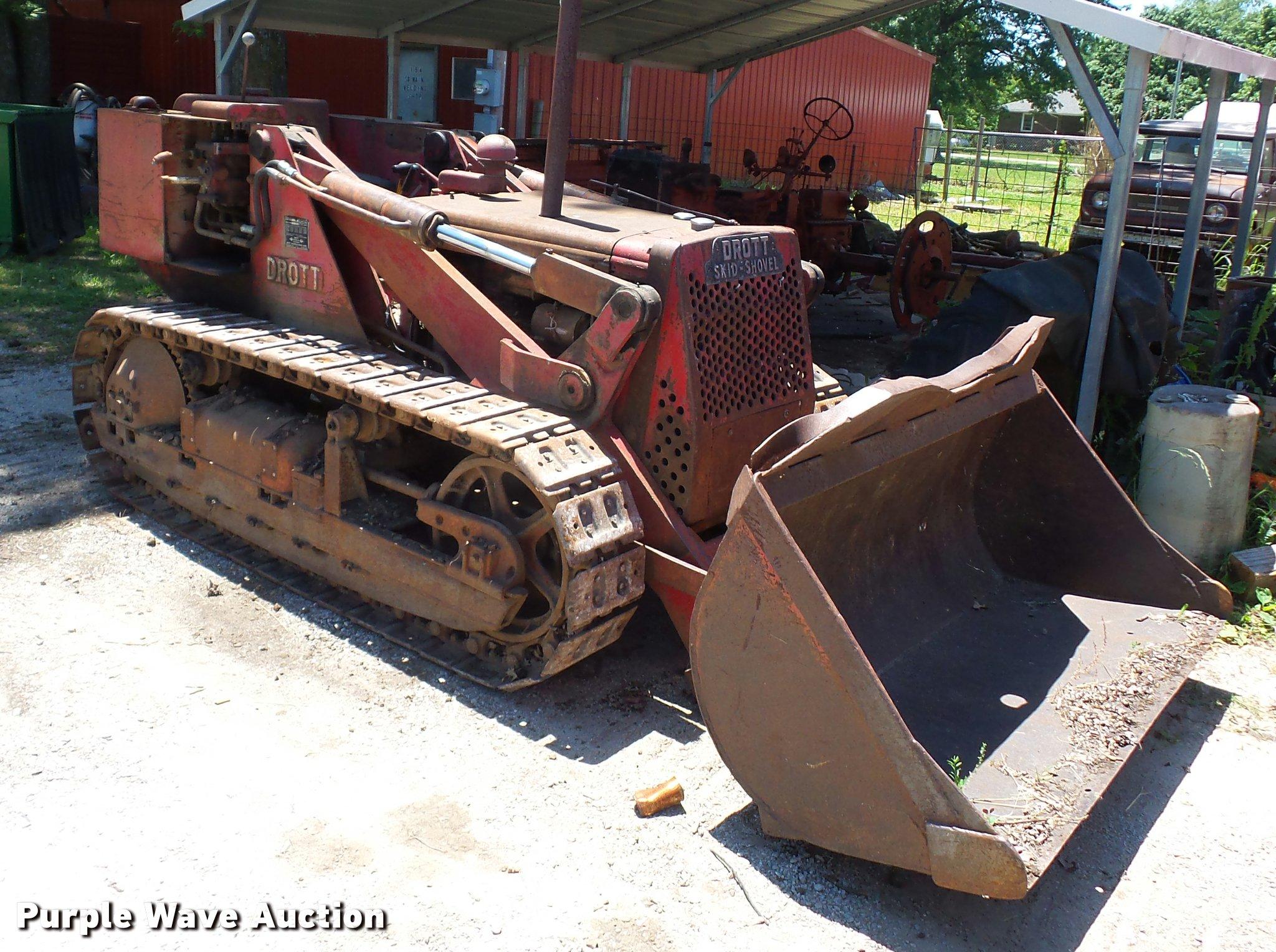 International Drott TD6 track loader | Item BS9429 | SOLD! J