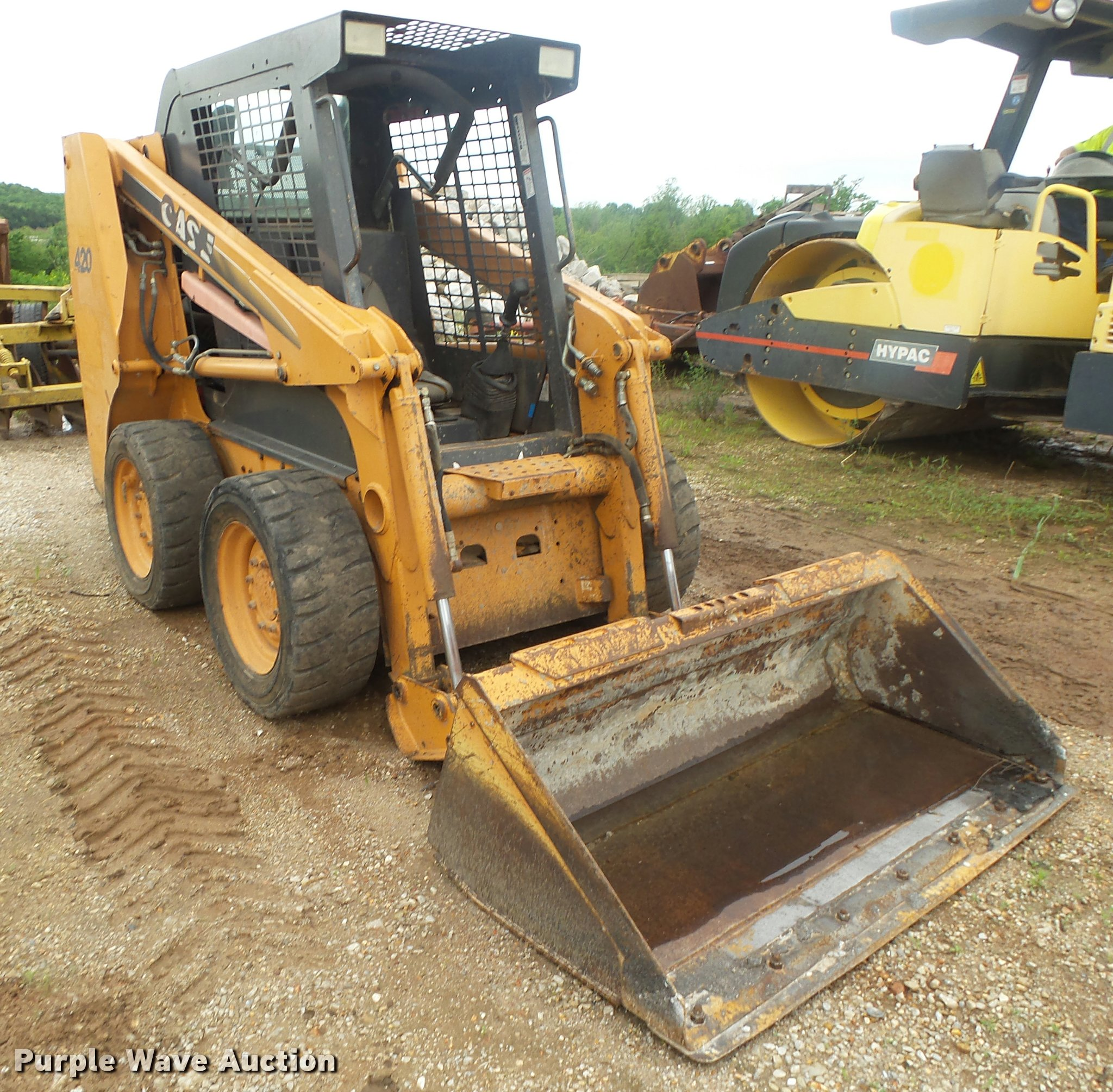 DA2695 image for item DA2695 2005 Case 420 skid steer