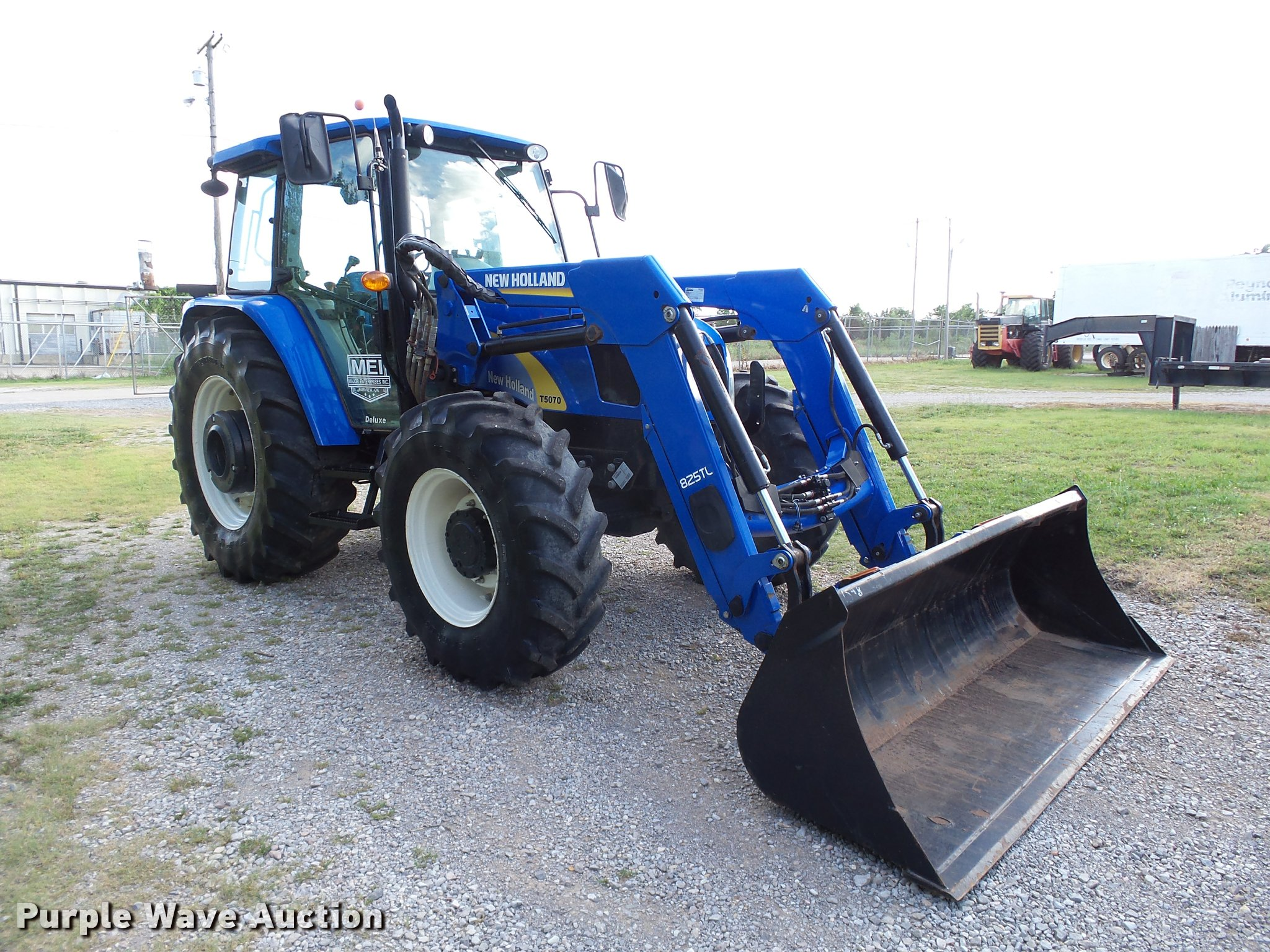 2012 New Holland T5070 MFWD tractor | Item DB4746 | SOLD! Ju