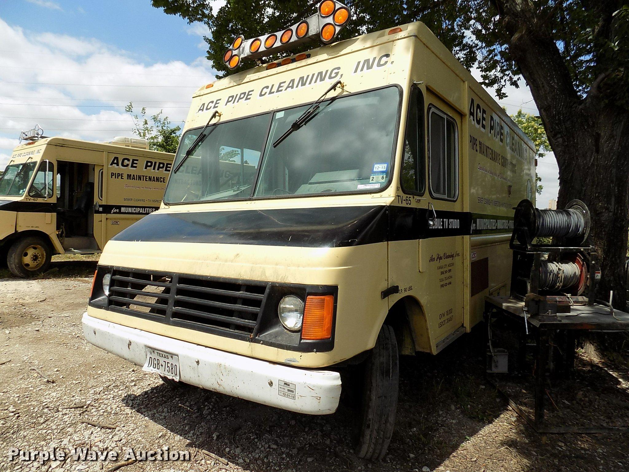 Dk9995 image for item dk9995 1997 chevrolet p30 delivery truck