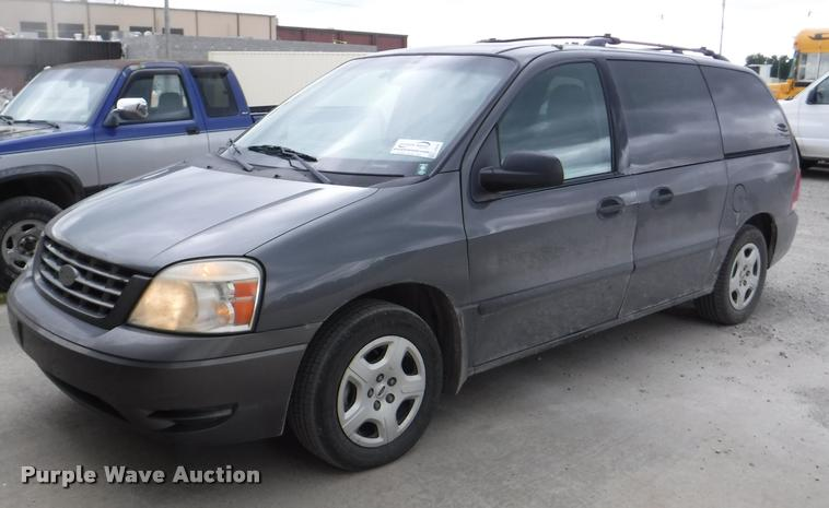 J5691 Image For Item 2005 Ford Freestar SE Van