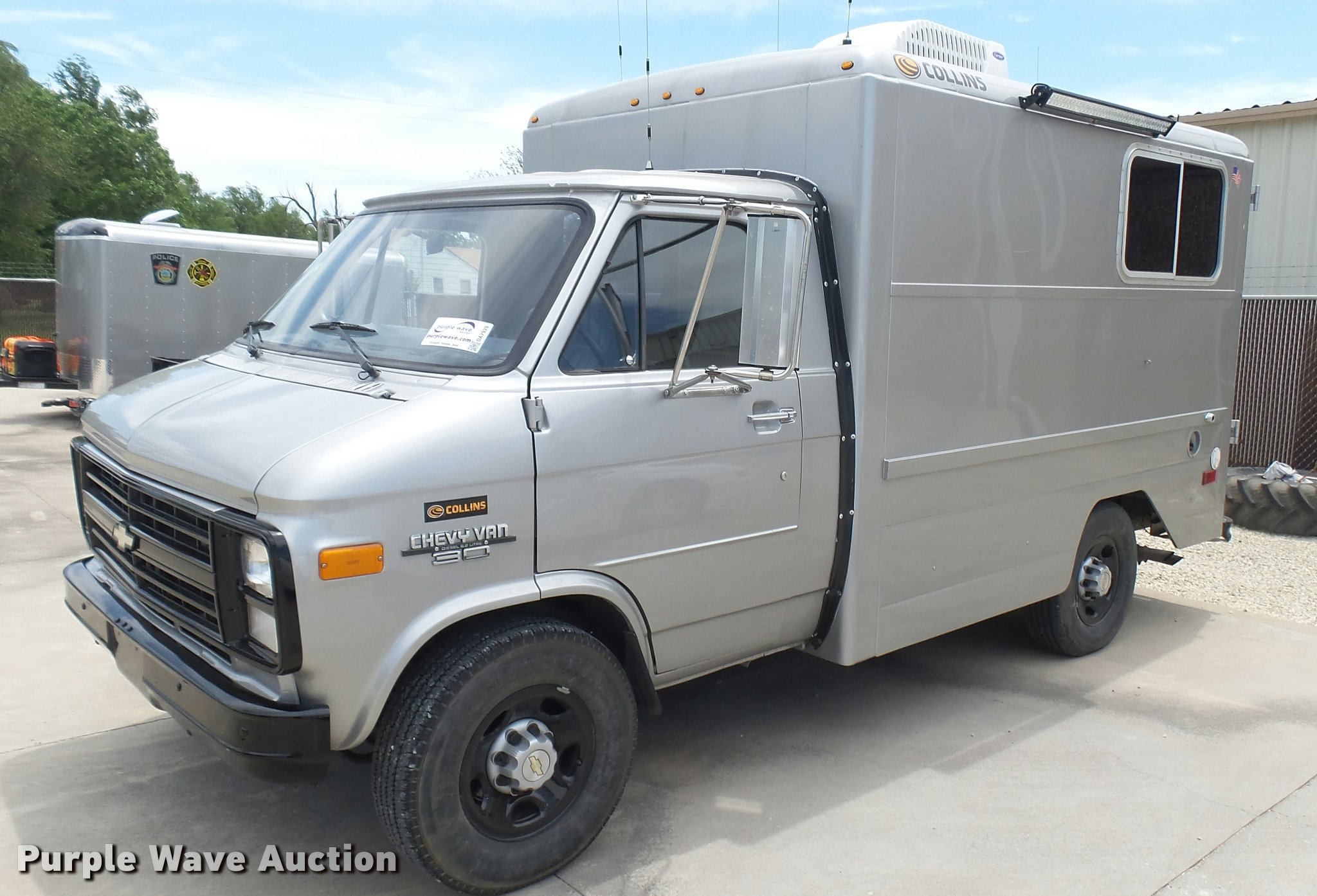 bf043b33cb ... 1986 Chevrolet G30 utility van Full size in new window ...