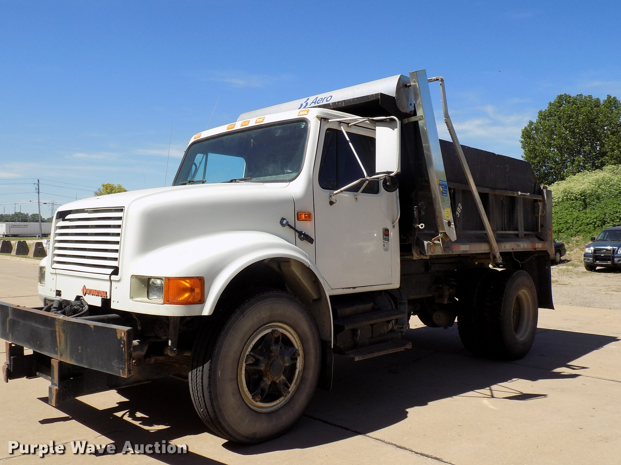 DC4998 image for item DC4998 1991 International 4900 dump truck