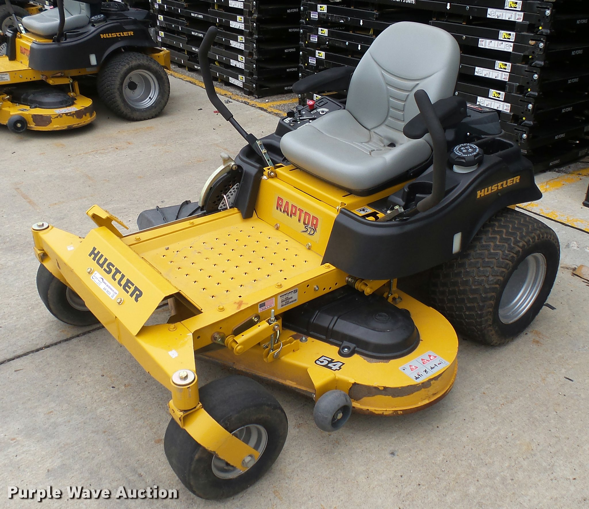 2015 Hustler Raptor SD ZTR lawn mower Item AR9820