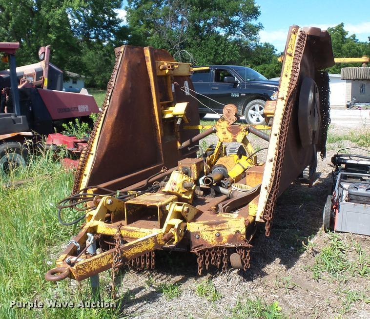 Alamo batwing mower | Item DJ9548 | SOLD! July 19 Vehicles a