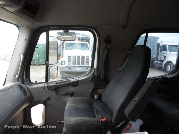 2006 Freightliner Business Class M2 service truck with crane
