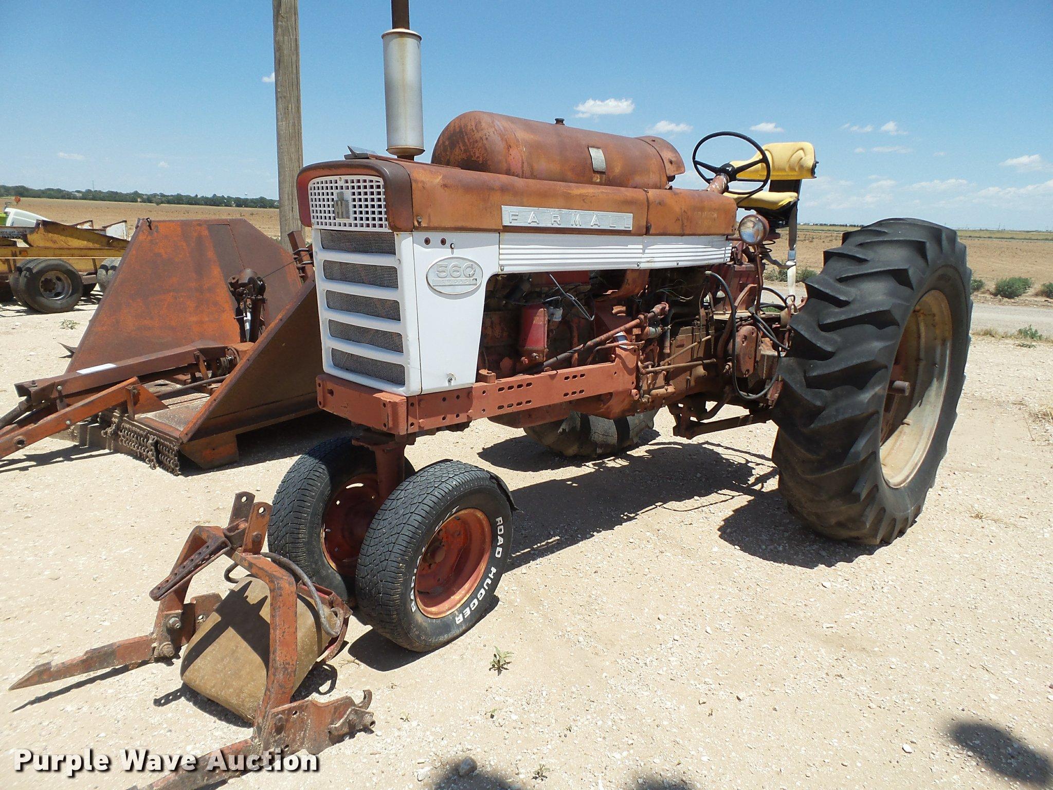 1959 Farmall 560 tractor | Item L6637 | SOLD! July 26 Ag Equ