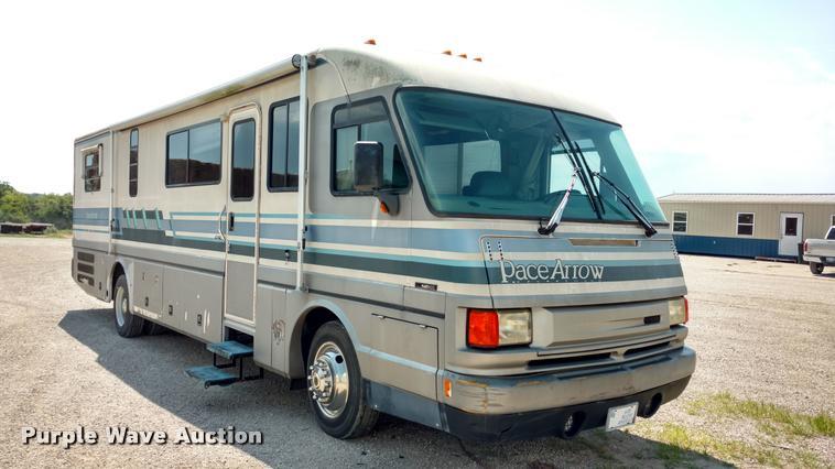 1994 Pace Arrow Fleetwood RV   Item DA5639   SOLD! August 2