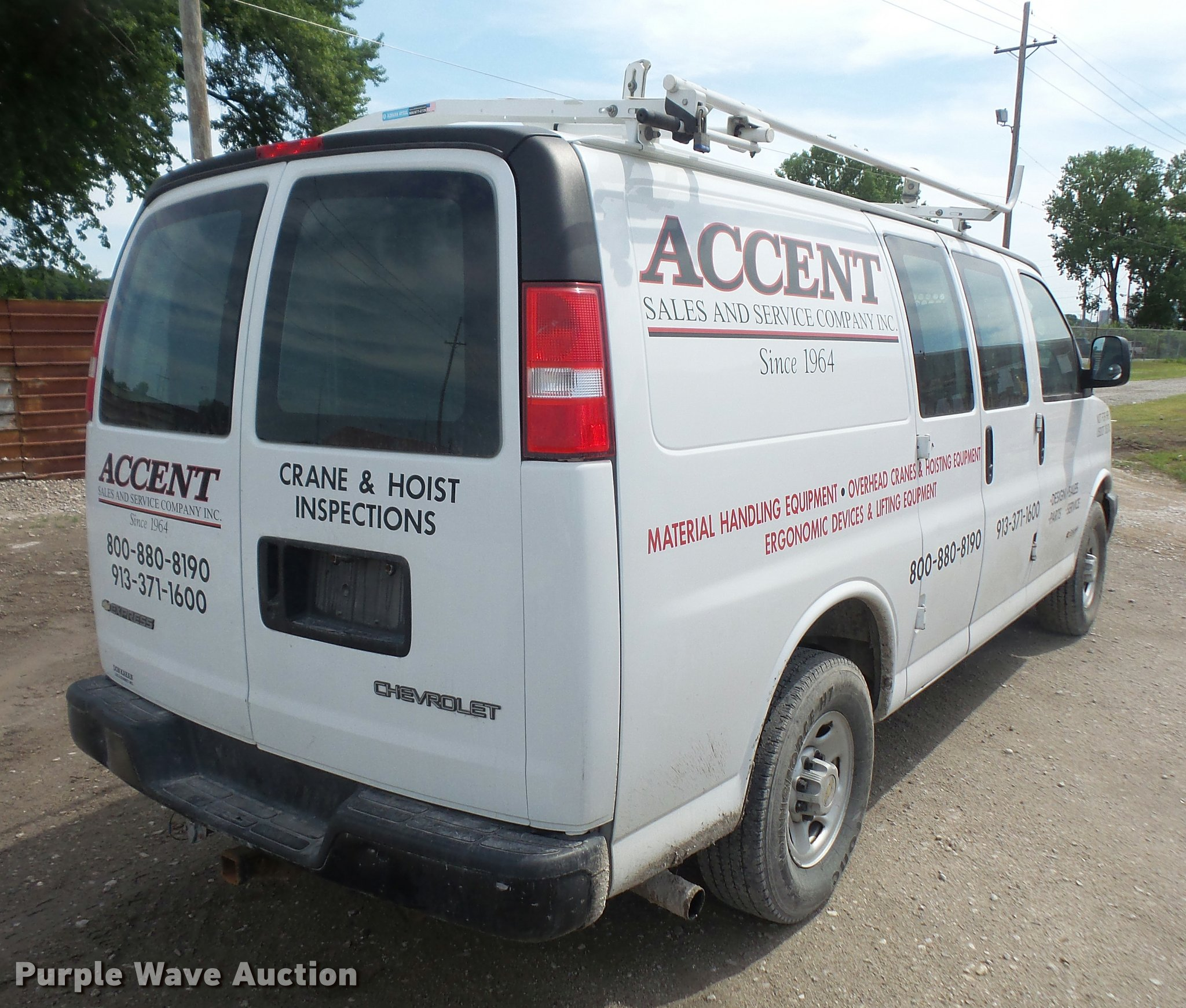 2005 Chevrolet Express 2500 Van In Kansas City  Ks