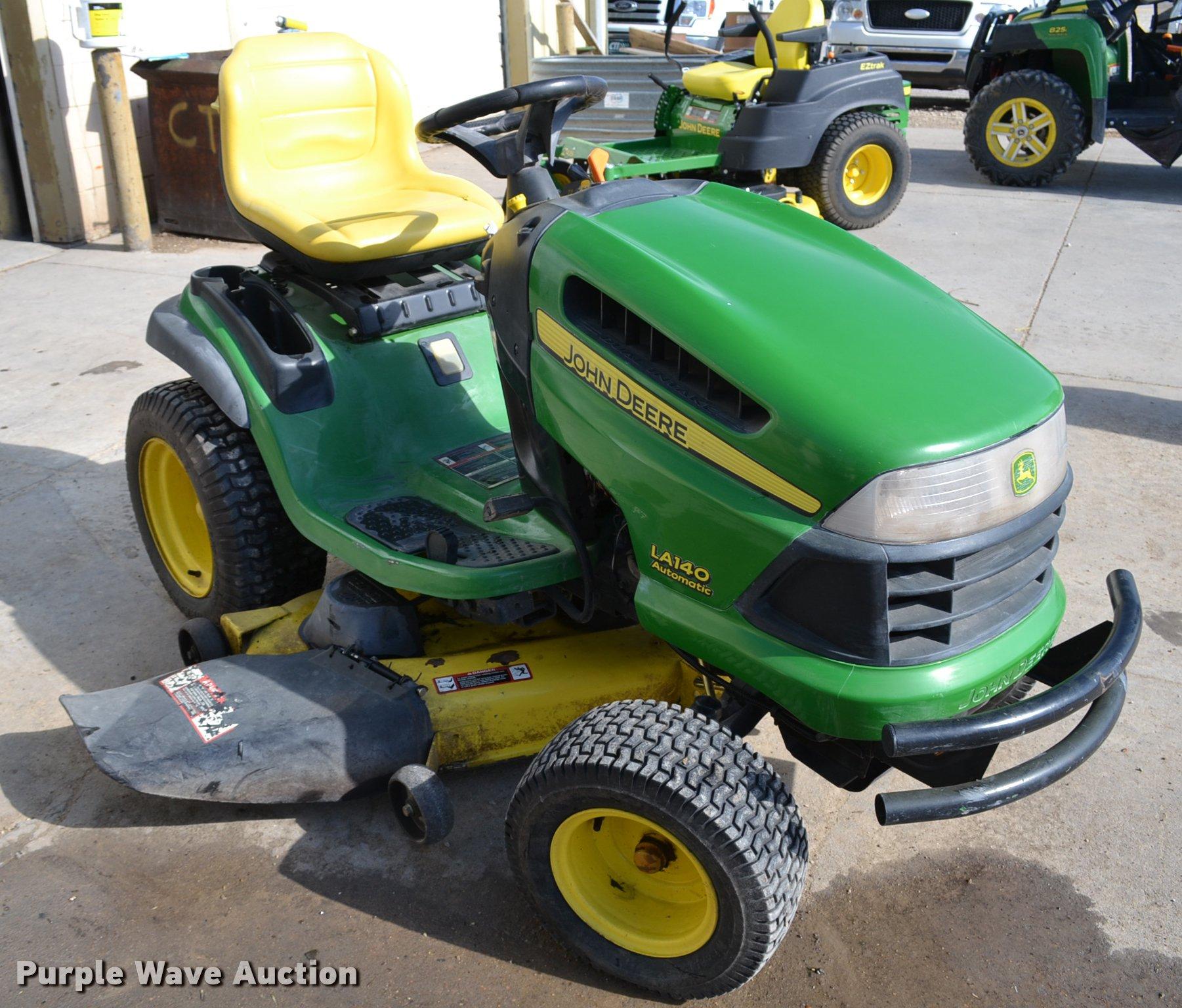 ... John Deere LA140 lawn mower Full size in new window ...