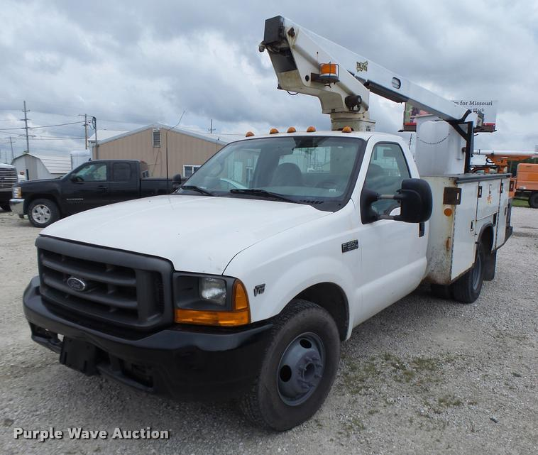 1999 Ford F350 Super Duty bucket truck | Item DB1382 | SOLD!