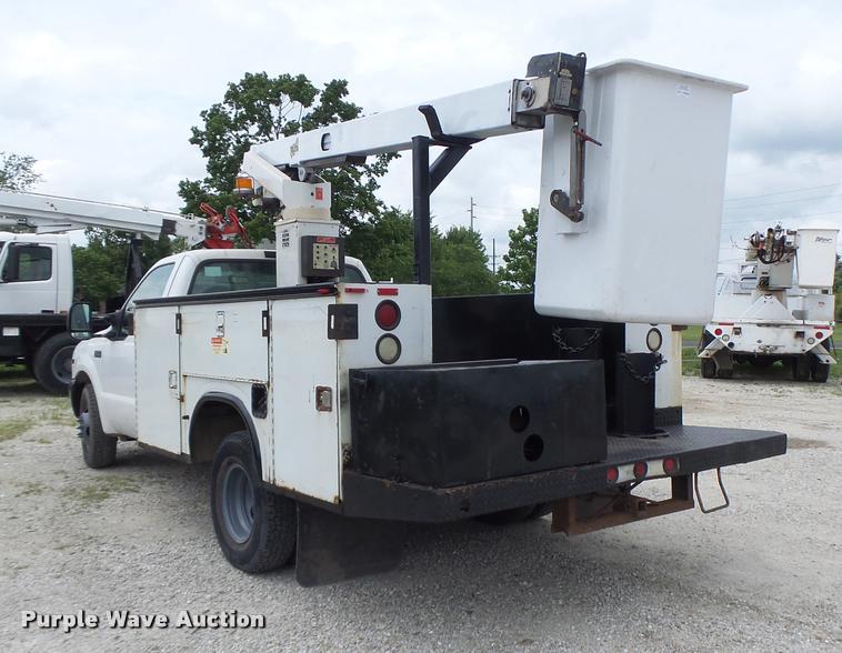 1999 Ford F350 Super Duty bucket truck | Item DB1382 | SOLD!