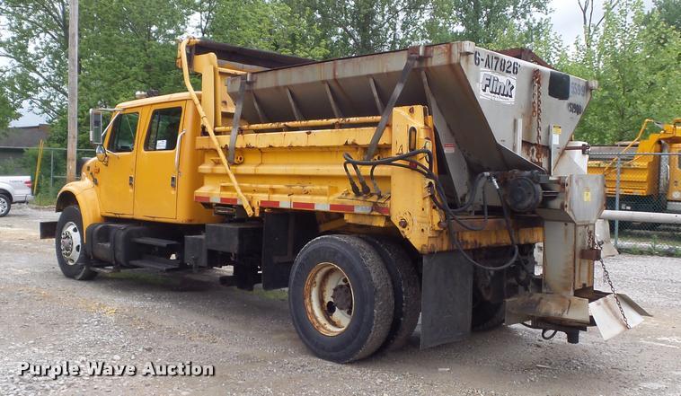 2002 International 4900 Crew Cab dump truck   Item K7628   S