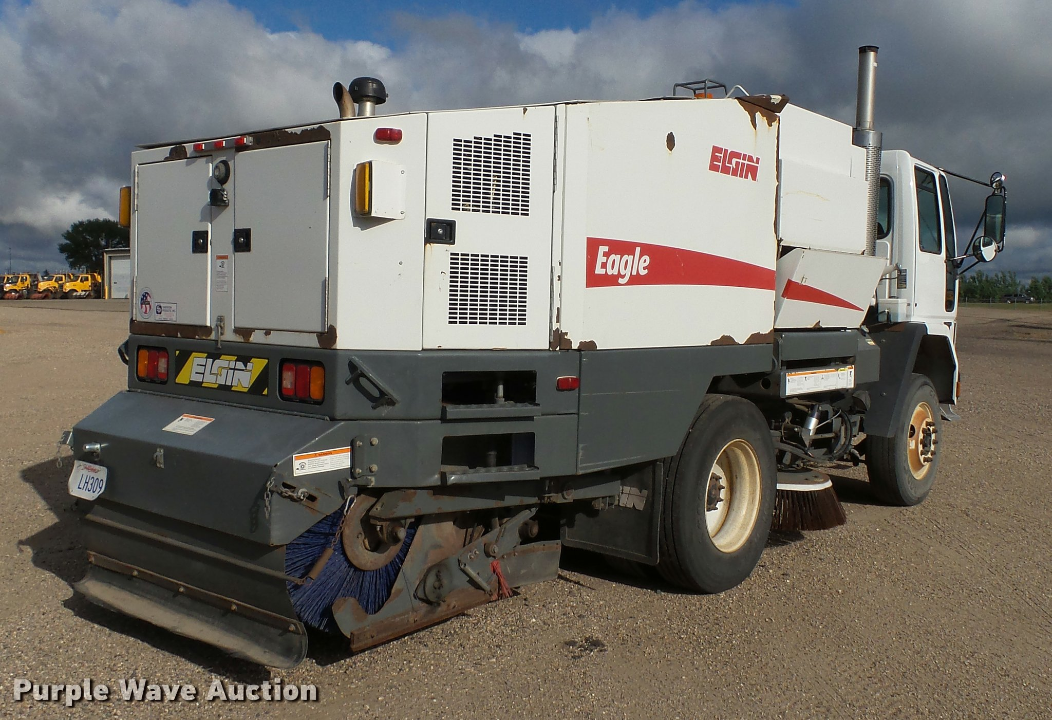 ... Elgin Eagle Series F street sweeper Full size in new window ...