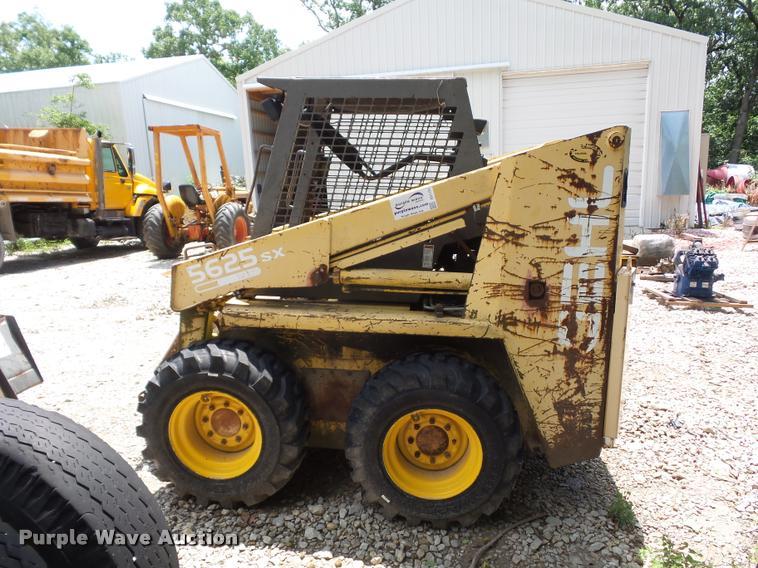 Gehl 5625 SX skid steer | Item DD1734 | SOLD! August 16 Vehi