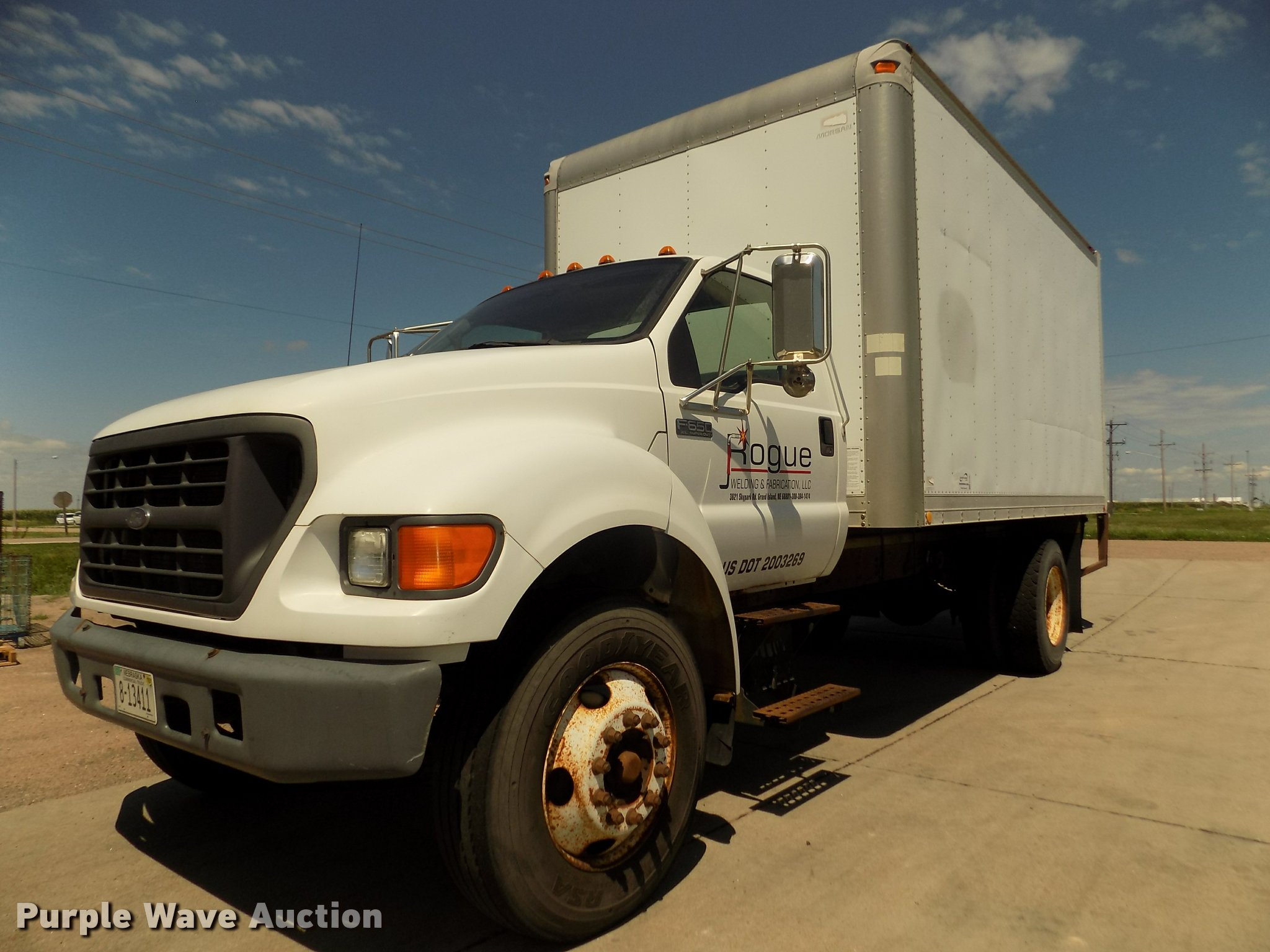 2000 Ford F650 Super Duty XL box truck Item DA3067