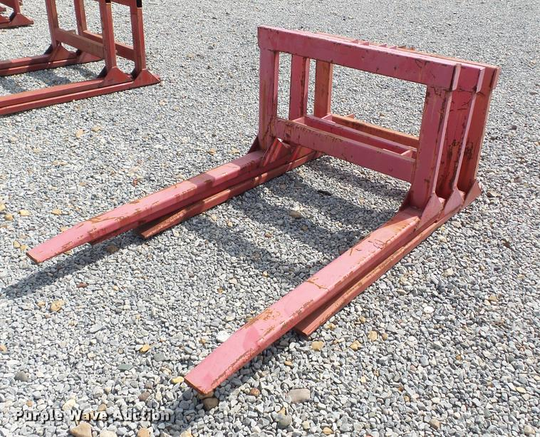 3) Lowery pallet/hay forks | Item DC6966 | SOLD! August 22