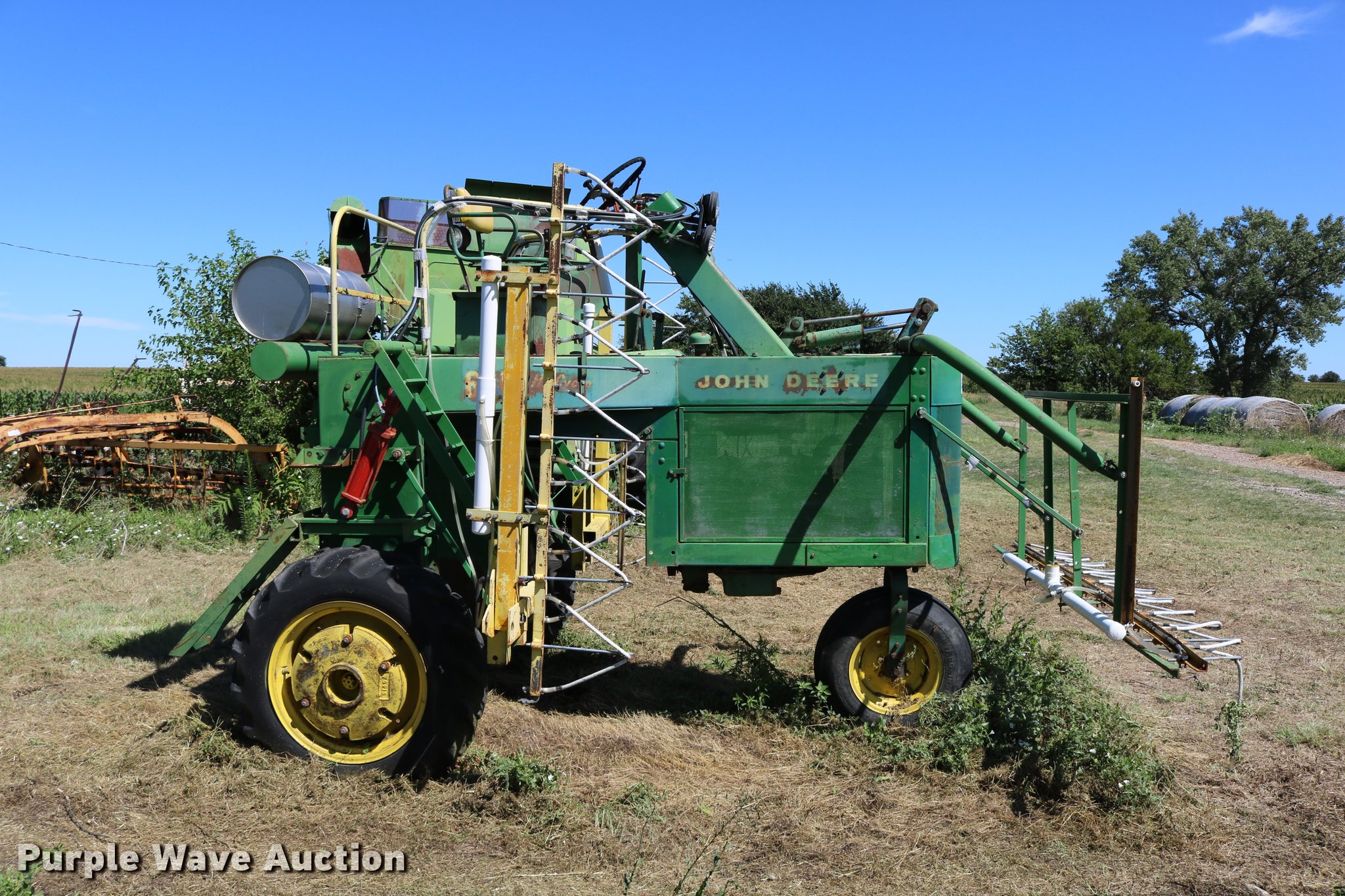 ... John Deere Hi-Cycle 600 self-propelled applicator Full size in new  window ...