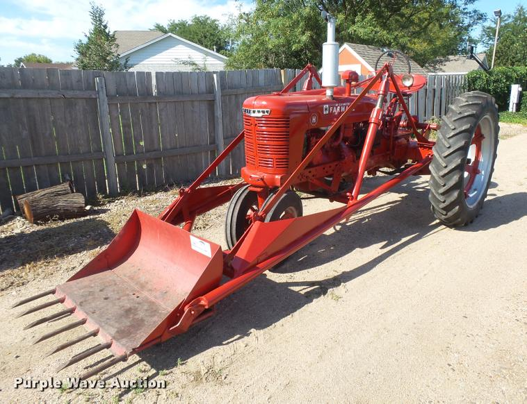 1947 Farmall H tractor   Item DC3946   SOLD! August 30 Vehic
