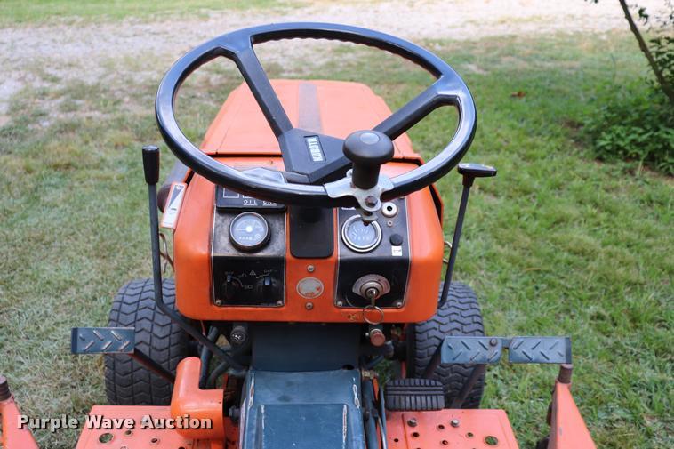 Kubota B7200 tractor | Item DK9536 | SOLD! August 30 Vehicle