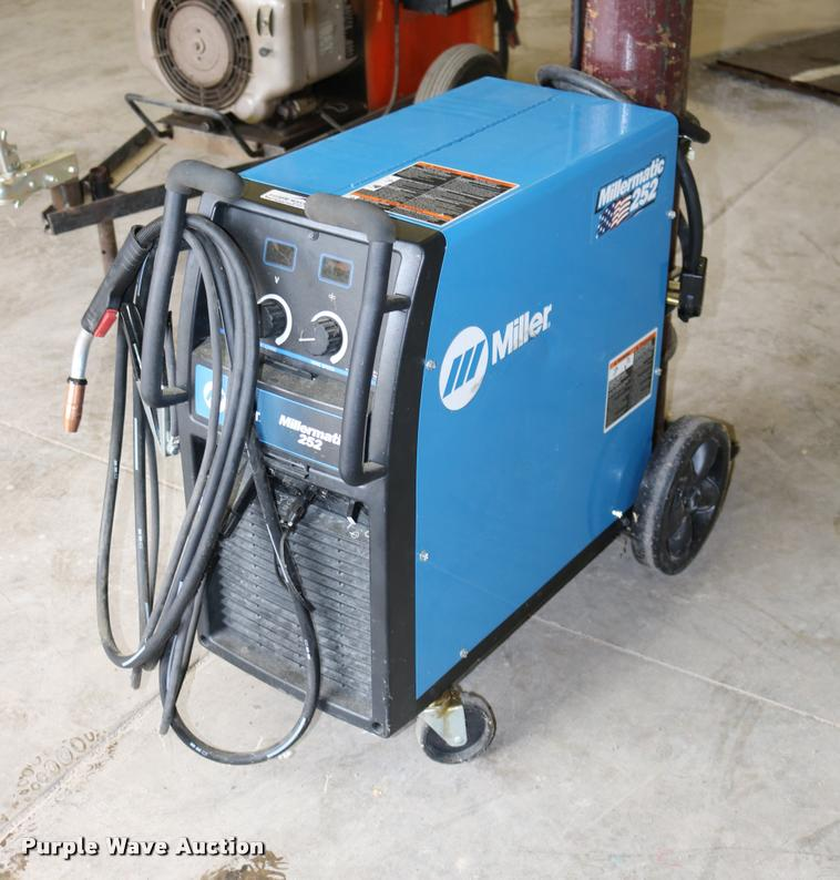 Miller Welders For Sale >> Miller Millermatic 252 Welder Item Dm9337 Sold August 3