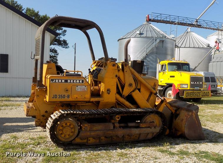 1970 John Deere 350B Loader Item DC4945 SOLD August 31