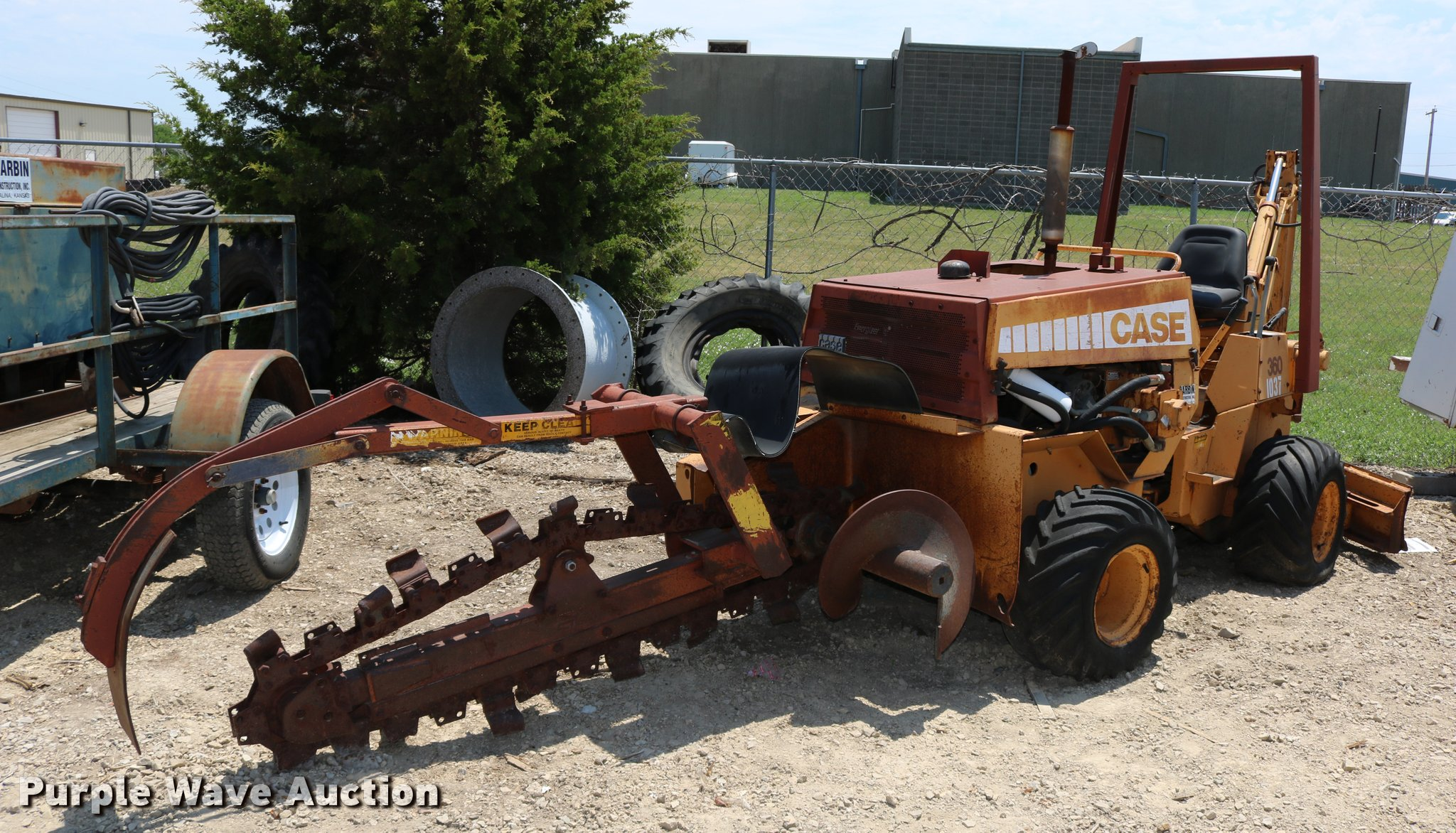 DB9392 image for item DB9392 Case 360 trencher