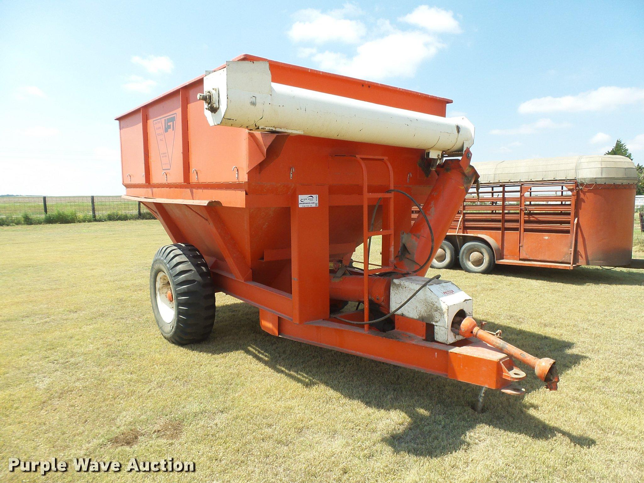 DC3972 image for item DC3972 United Farm Tools grain cart