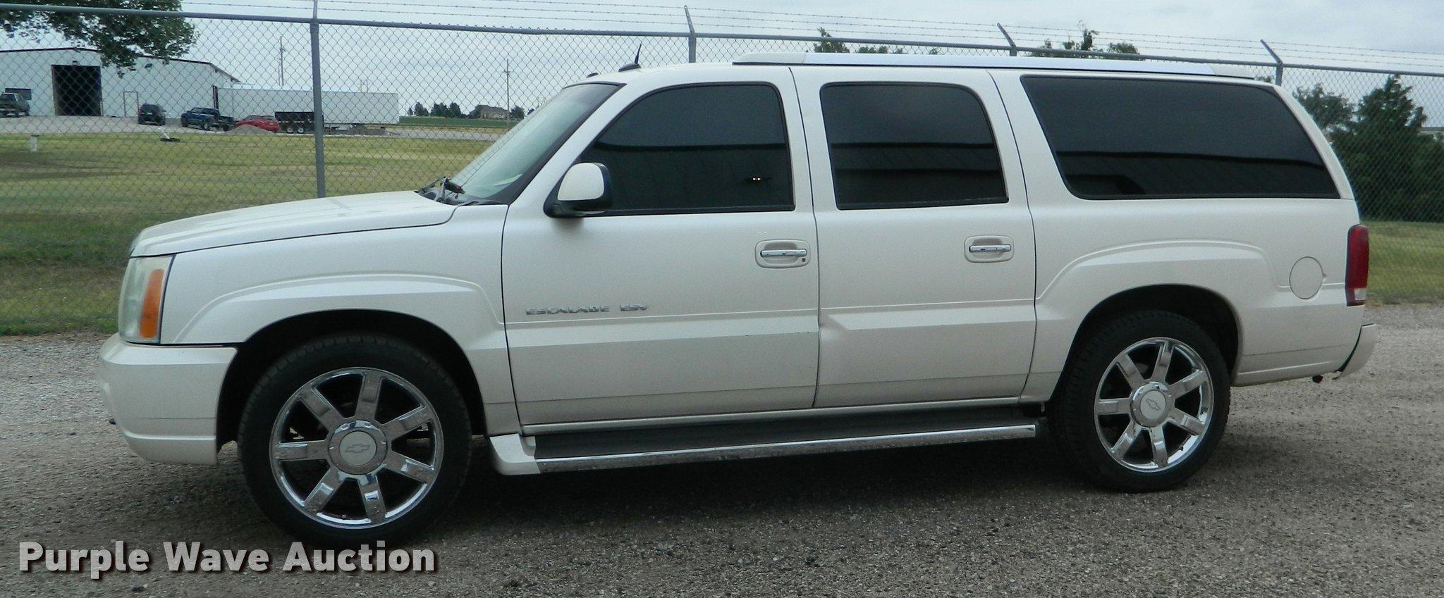2005 Cadillac Escalade Esv Suv Item Db1123 Sold Septemb 2004 Trailer Wiring Full Size In New Window