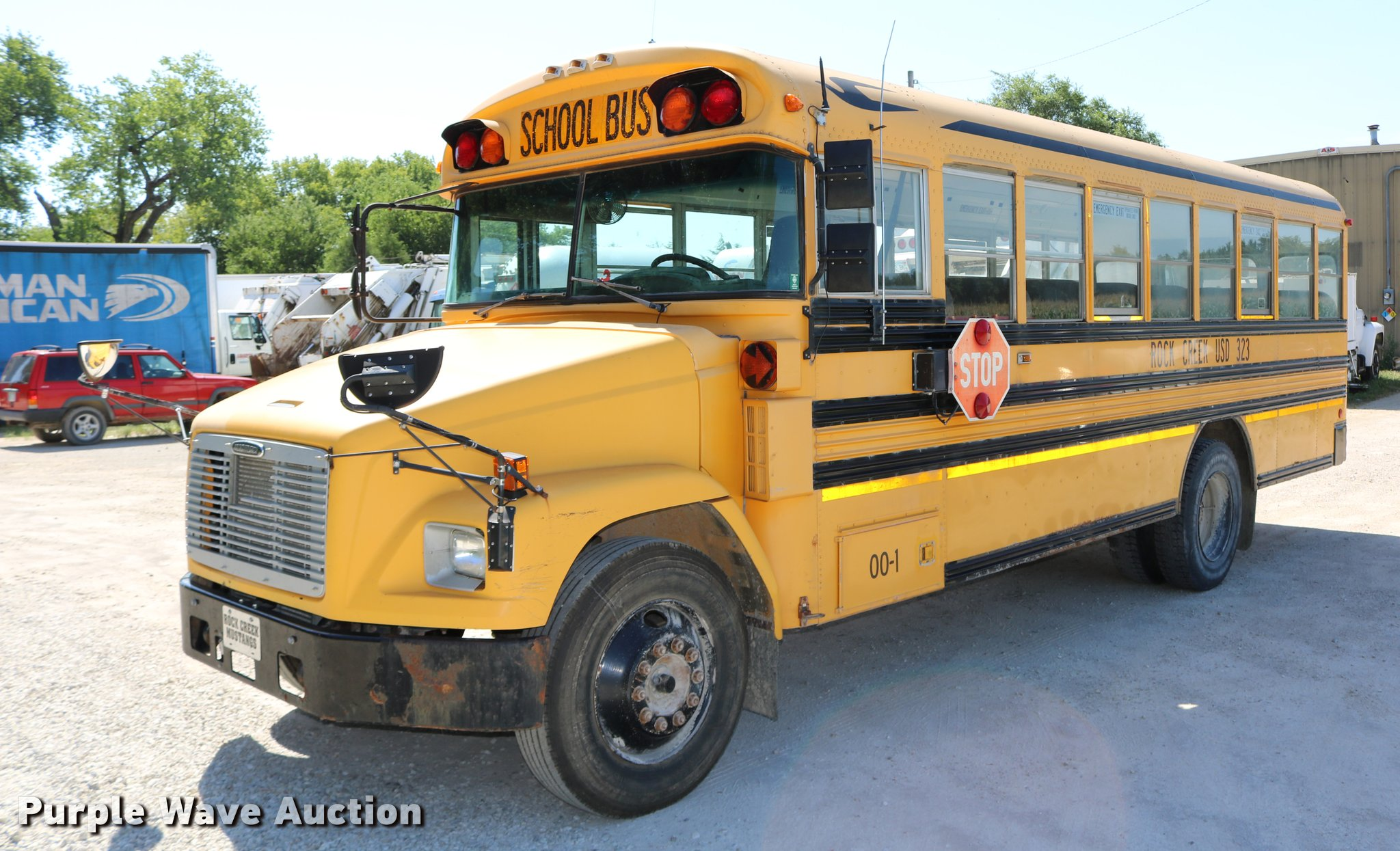 2000 Freightliner FS65 Blue Bird school bus   Item DB9298