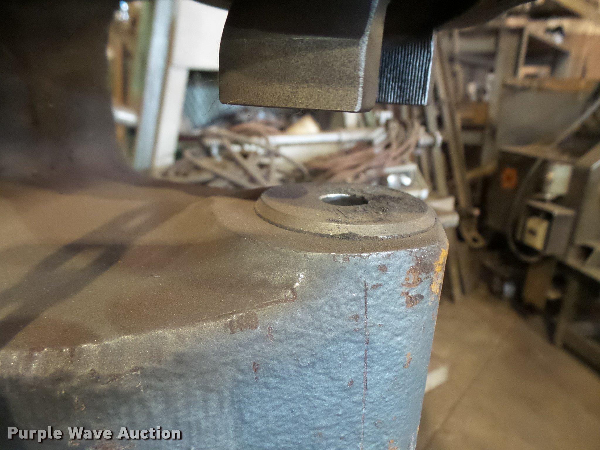 Whitney 70 ton hand held punch | Item DK9292 | SOLD! Septemb