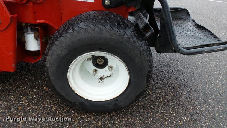 Exmark Vantage riding lawn mower | Item DC2704 | SOLD! Septe