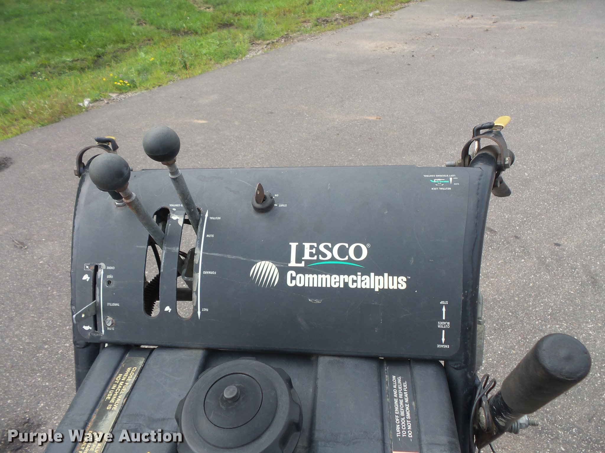 Lesco Commercial Plus lawn mower | Item DC2721 | SOLD! Septe