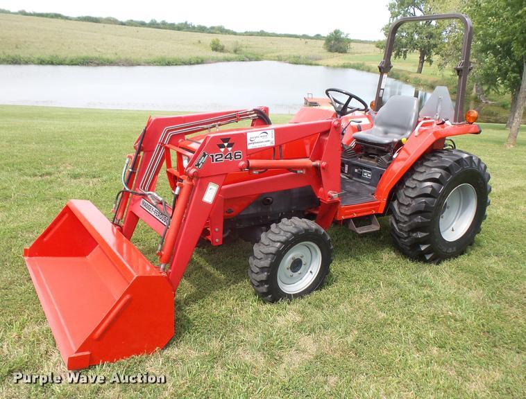 2000 massey ferguson 1240 mfwd tractor item dc5412 sold rh purplewave com Massey Ferguson 200 Loader Front 1995 Massey Ferguson