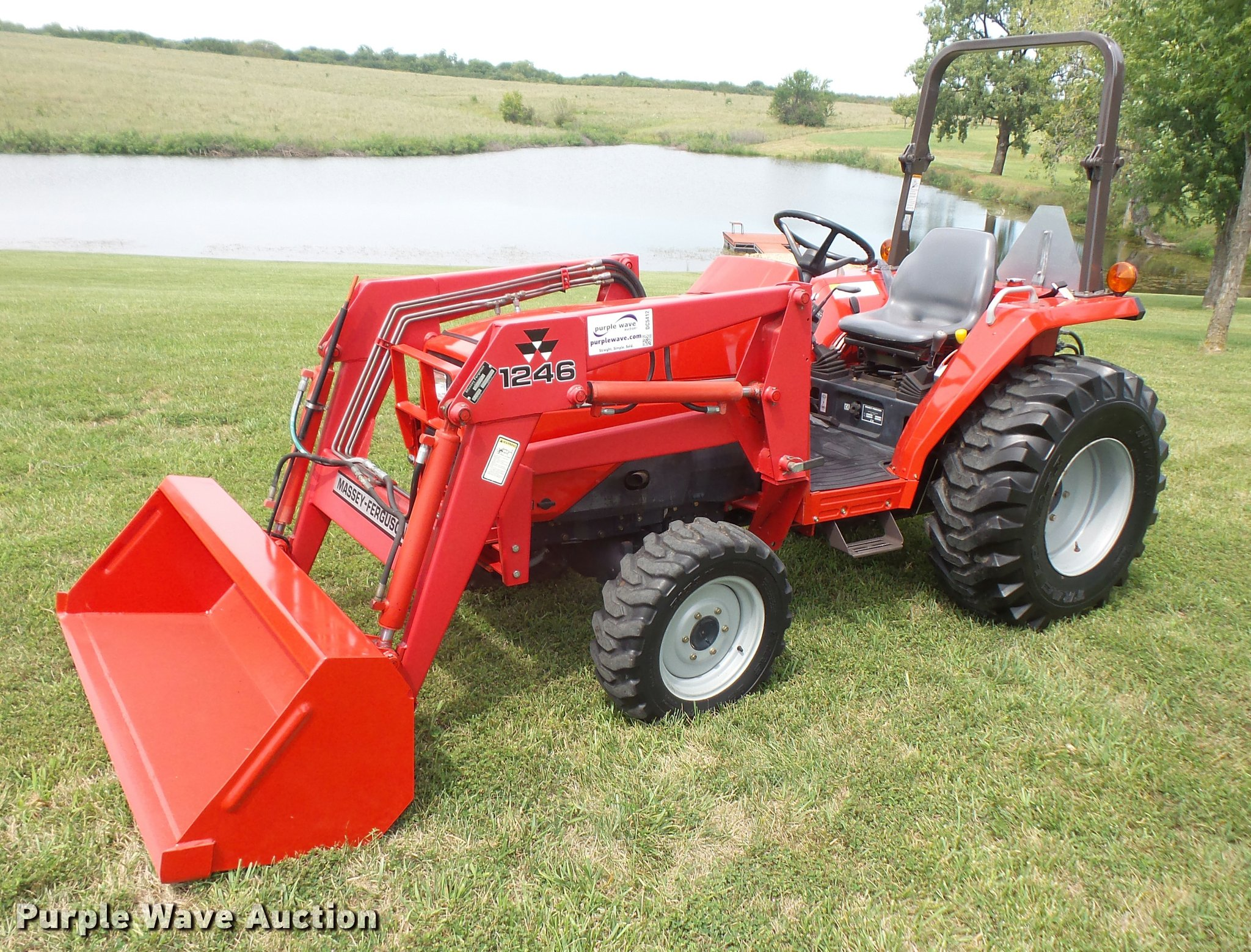 2000 massey ferguson 1240 mfwd tractor item dc5412 sold rh purplewave com Massey Ferguson 200 Loader Front Massey Ferguson 200 Loader Front