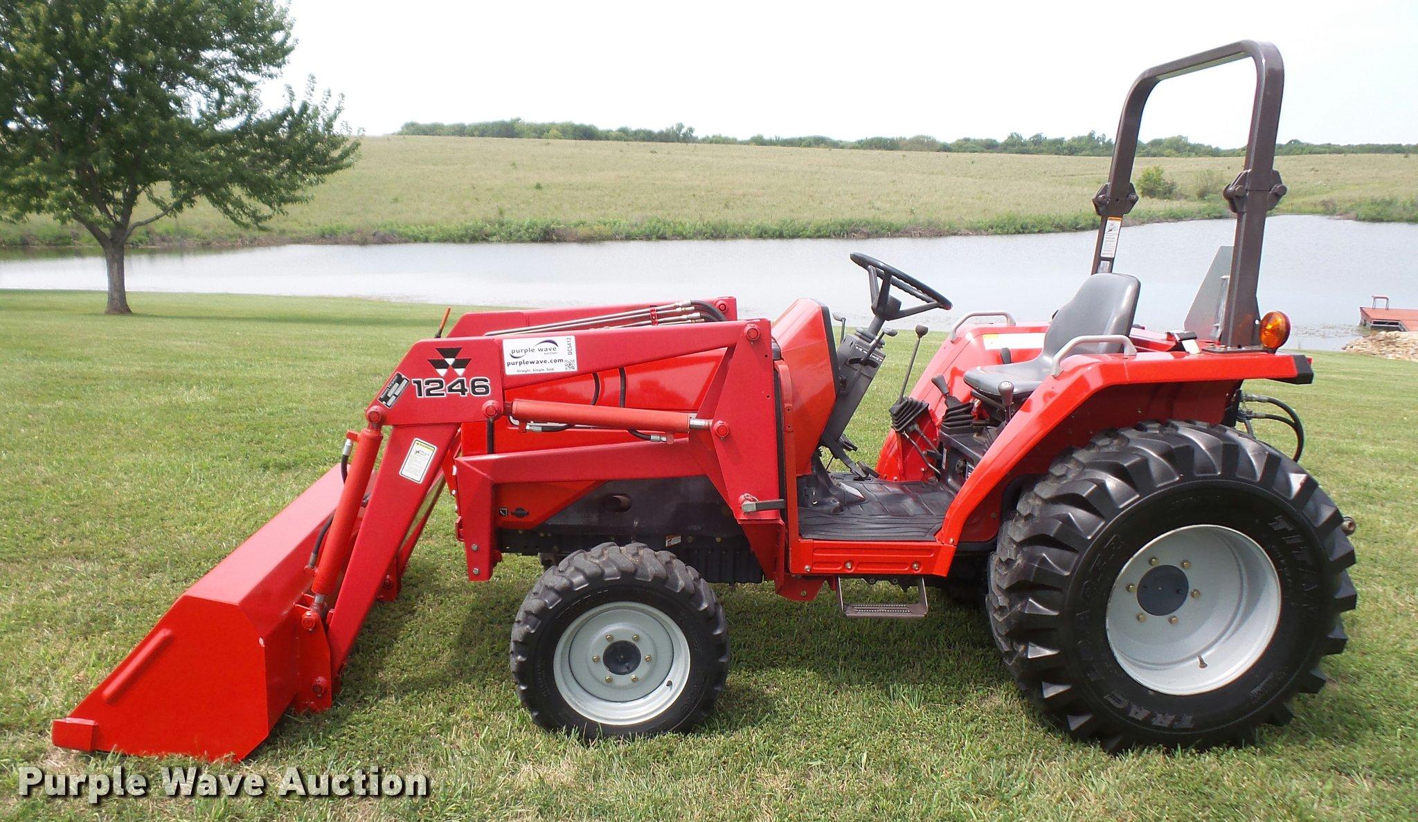 ... Massey-Ferguson 1240 MFWD tractor Full size in new window ...
