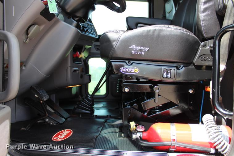 2013 Peterbilt 389 semi truck | Item L1921 | SOLD! September