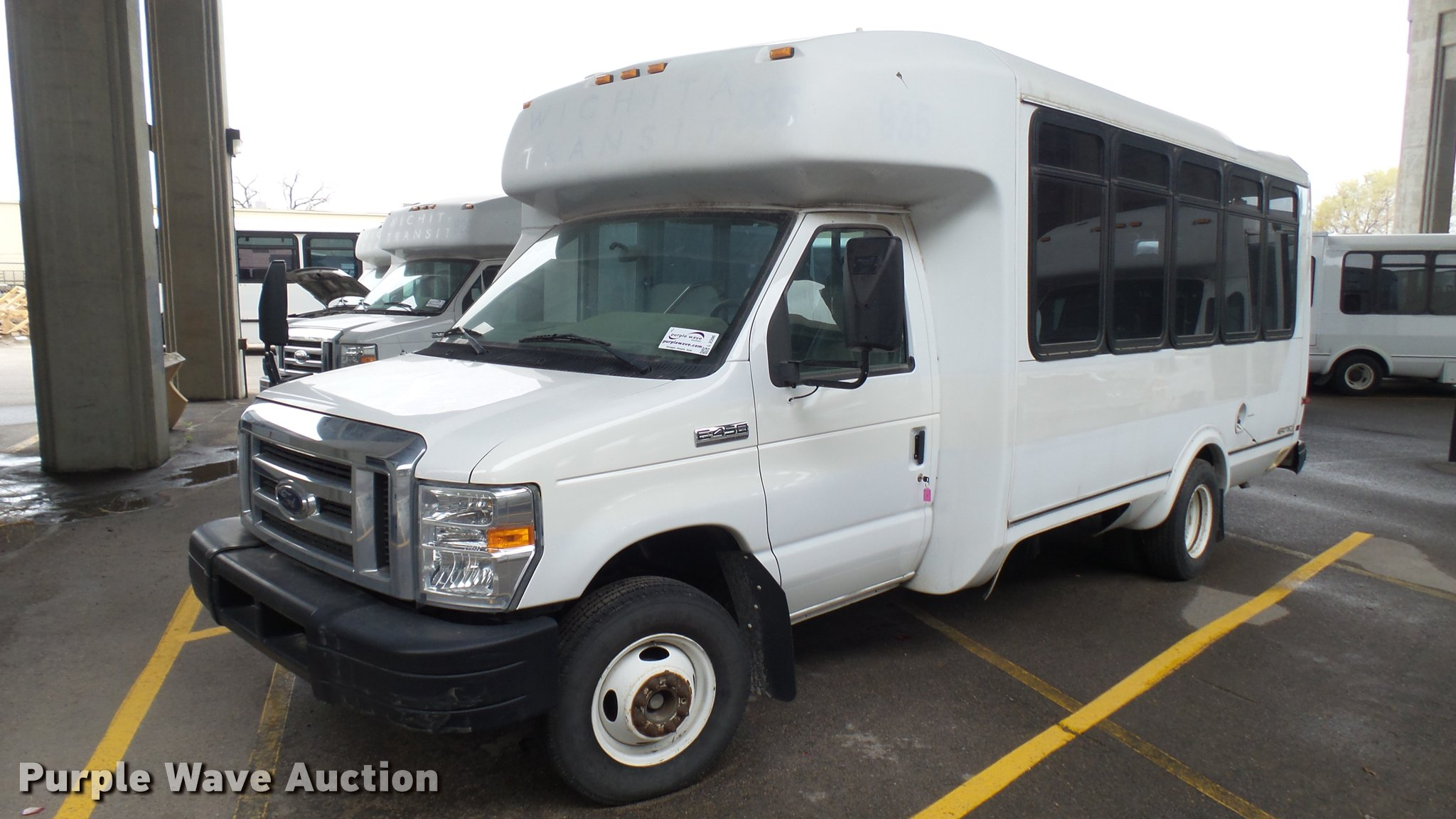 2009 Ford E450 Super Duty Shuttle Bus Item L2396 Sold
