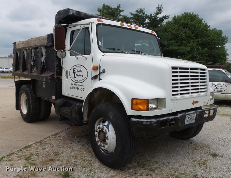 1990 International 4700 dump truck | Item DA2738 | SOLD! Sep